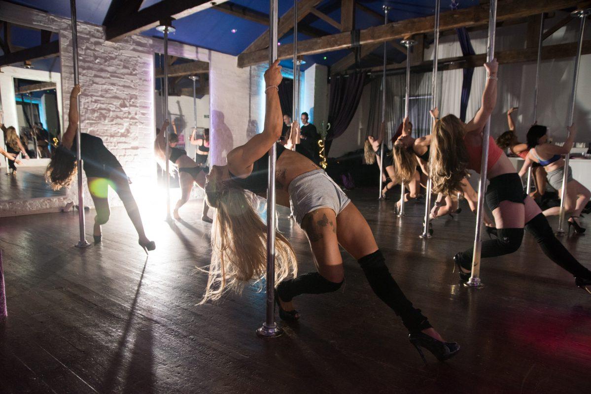pole dancing instructor leeds pole dancing classes leeds